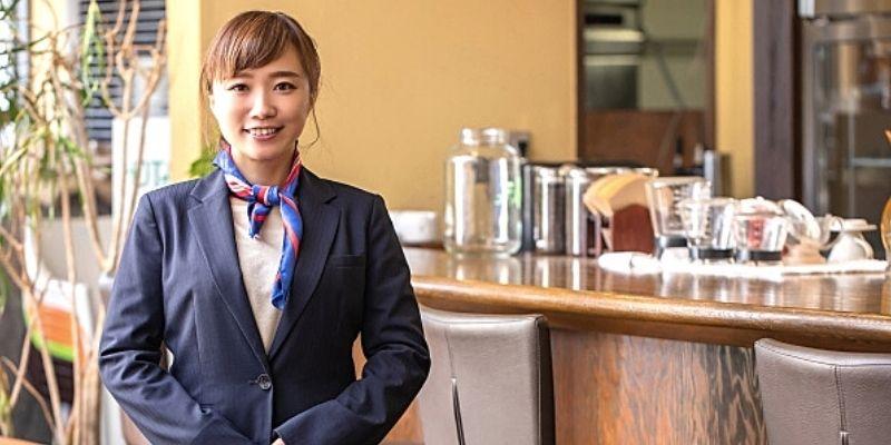 リゾートバイト女性